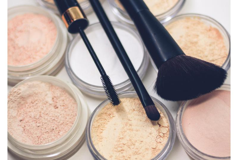 These Websites Show What Ingredients Are Really in Our Beauty Products