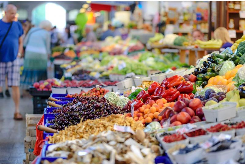 Why Buy Local Food? It's Healthier for You and Better for the Environment